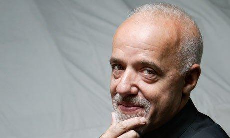 http://www.porgoru.com/wp-content/uploads/2013/09/Paulo-Coelho.jpg