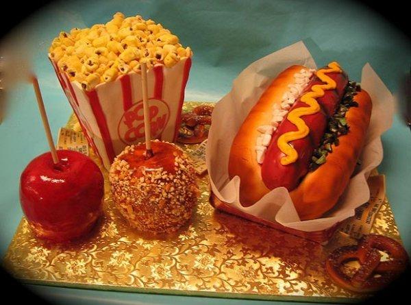 hotdog_popcorn